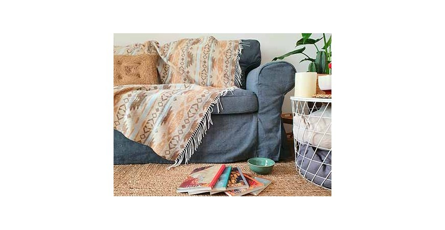 Decorate your house with boho style blankets